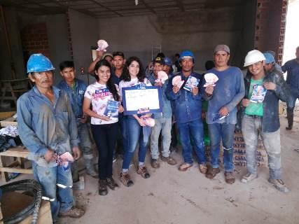 Lee más sobre el artículo Cemento Camba entrega 240.000 Bs en bonos para trabajadores de la construcción