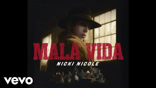 """Lee más sobre el artículo Nicki Nicole rinde tributo a El Padrinocon su flow titulado """"Mala vida"""""""