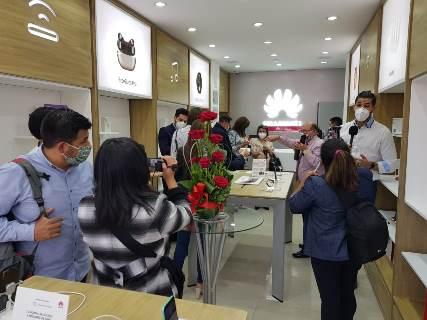 Lee más sobre el artículo Huawei se expande por el territorio boliviano con la apertura de dos tiendas Huawei Experience Store