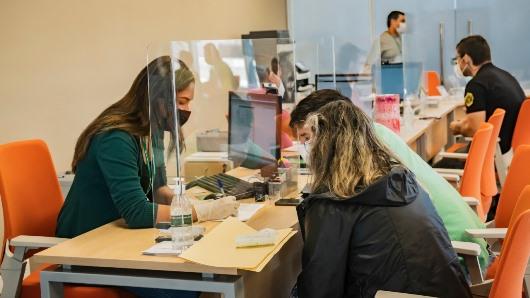 Lee más sobre el artículo El Banco Mercantil Santa Cruz premia la fidelidad de sus clientes con 1 millón de bolivianos a través de la Súper Makro Cuenta