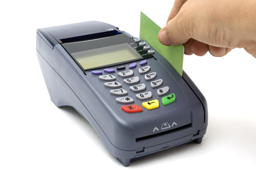 Lee más sobre el artículo Tres diferencias entre una tarjeta de crédito y una de débito y por qué debes tener al menos una