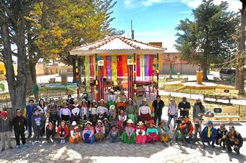 Lee más sobre el artículo Huari enfoca sus esfuerzos a revitalizar los oficios de origen boliviano