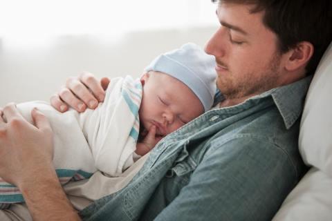 Lee más sobre el artículo Cinco consejos para que padres primerizos fortalezcan los vínculos con sus hijos