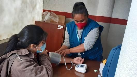 Lee más sobre el artículo SEDES reconoce y autoriza el trabajo de promotoras de salud de Pro Mujer en las comunidades