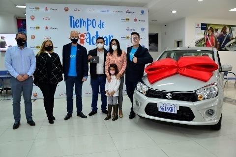 Lee más sobre el artículo Imcruz y Suzuki entregan auto cero kilómetros a donante de la campaña 'Tiempo de Actuar'