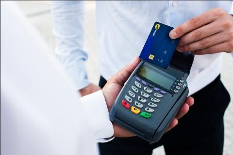 Lee más sobre el artículo BISA Seguros ofrece respaldo a los usuarios de las tarjetas de débito del Banco BISA.