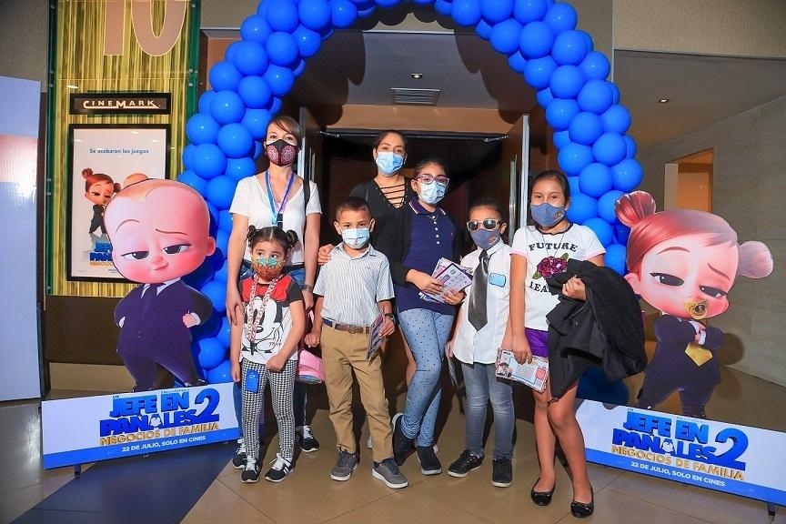 Lee más sobre el artículo Los pequeños 'jefes' de familia disfrutaron una función especial en Cinemark