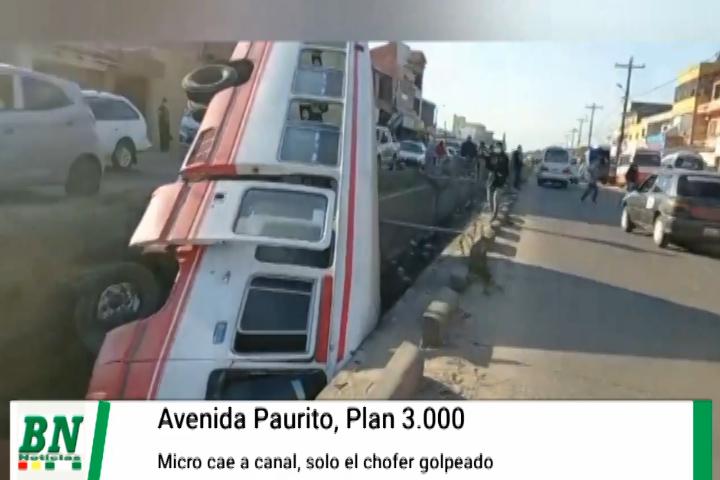 Lee más sobre el artículo Cae micro a un canal de drenaje en el Plan 3000 y chofer sale golpeado, no transportaba pasajeros