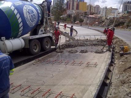Lee más sobre el artículo Constructores asesoran a municipios y gobernacionespara impulsar obras de infraestructura con cemento nacional